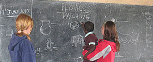 Boma Africa - Volunteer teaching