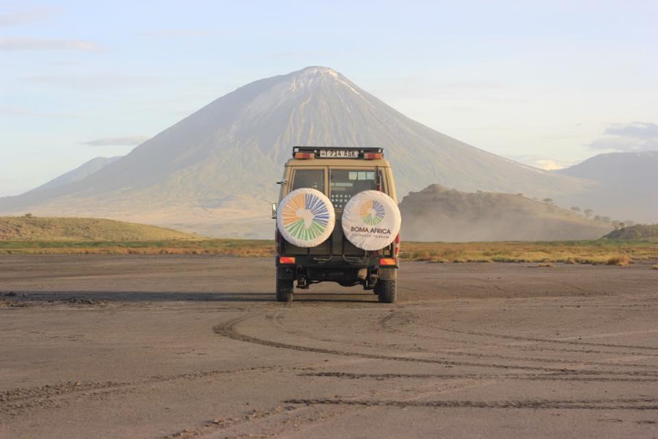 Landcruiser Oldoinyo Lengai glacier boma africa safari tanzania kilimanjaro wildlife mountain